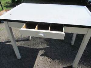 WANTED:  WHITE AND BLACK ENAMEL TOP TABLE IN GOOD CONDITION