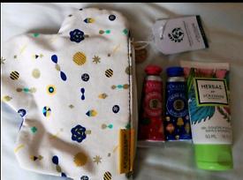 Ideal Christmas present -L'Occitane gift pack/set/bath/body wash