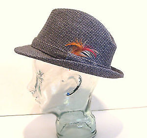 Vintage BECO Gray Tweed Mens Fedora Hat with Feathers Size Med.