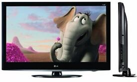 "32""INCH LG LCD HD TV WITH BUILT IN FREEVIEW**DELIVERY IS POSSIBLE**"