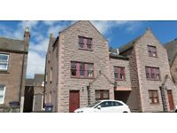 Unfurnished 2 bedrooms ground floor flat, GCH , Double glazing with private parking