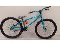 "26"" Mongoose Dirt Jump 682 Boys' Mountain Bike, Teal RRP 249.99 Lot 191"