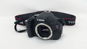 Canon EOS Rebel T3 BODY ONLY+ accessoires.