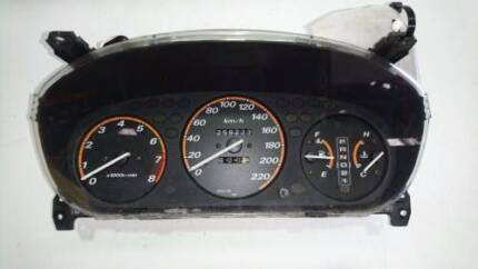 HONDA CRV RD AUTOMATIC INSTRUMENT CLUSTER 97 TO 01 (57146)