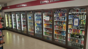 Walk in Cooler (9 door reach in with display shelving)