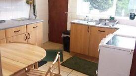 4 bedroom house in Poole Cres, Birmingham, B17