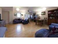 Beautiful 2bd flat in City Centre, near Train Stn