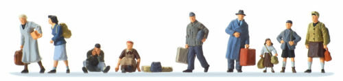 HO Preiser 1945 WWII era NINE German Civilian Refugees : Figures # 10611
