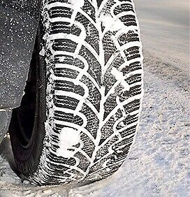 4 WINTER TIRES // 4 PNEUS D'HIVER