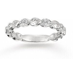 14k White Gold Carved Leaf 0.10 Carat Diamond Wedding Band