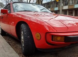 Dealer maintained 1987 Porsche 924 S Coupe (2 door)