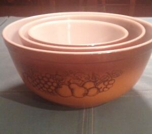 VINTAGE 1960's PYREX  OLD ORCHARD MIXING BOWLS FRUIT PRINT