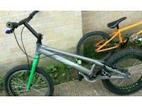 Onza trail bike
