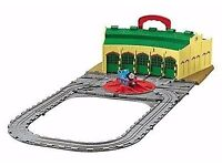 Take n play shed come with thomas vgc