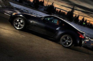 Nissan 370z Sports Touring 2010 Must let go cheap, within reason