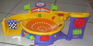 Circuits et voitures fisher price
