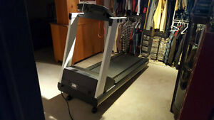 PRECOR 9.41si Low Impact Treadmill London Ontario image 1