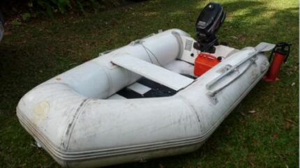 9' Inflatable Tender/Raft/Dinghy w/ Solid floor Port Douglas Cairns Surrounds Preview