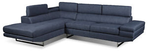Brand New Sectional Couch 1000$ NEGOCIABLE!! NEEDS TO GO!!!