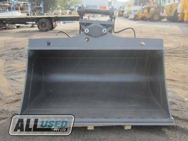 AU 1900mm HYD TILTING BUCKET WITH BOLT ON EDGE (80TILT) Dandenong South Greater Dandenong Preview