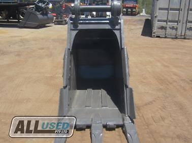 AU 750mm TRENCH BUCKET WITH TEETH AND SIDE CUTTERS (90TRENCH) Dandenong South Greater Dandenong Preview