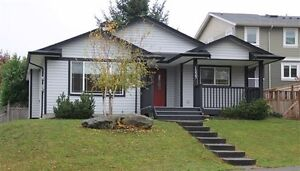 3 bedroom bungalow in Comox with nice fenced yard
