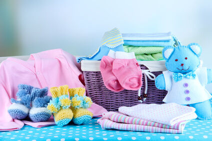 Geschenkideen fuer junge Eltern Babysachen von Sturm Strick