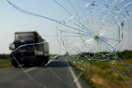 WINDSCREENS REPLACEMENT ,FRONT WINDSCREENS FROM $190