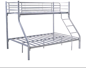 Triple bunk bedframe