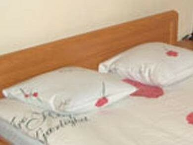 Double room to rent for a single working professional