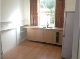 Double Studio between Clapham North & Vauxhall. Also near Wandsworth Road Station