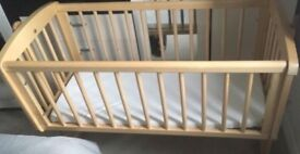 Baby crib with matress