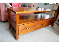 Wooden TV cabinet / coffee table