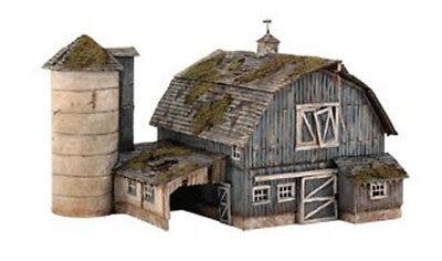 Woodland Scenics Ho Scale Landmark Structures   Rustic Barn   New  5190