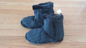 Size 7/8 Bootie Slippers from La Senza - BNWT