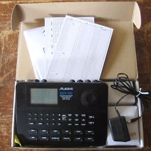 Alesis SR 16 Drum Machine. Great shape