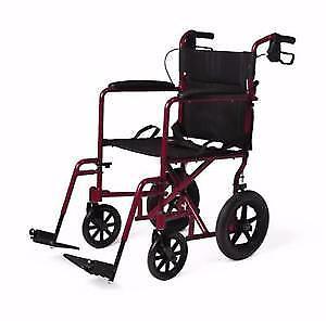 chaise roulante servie 2 fois comme neuve!