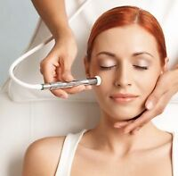 *MICRONEEDLING/MICRODERMABRASION SPECIALIST*