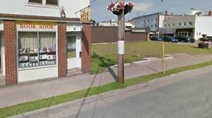 Retail or office space in convenient downtown Truro location.