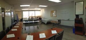 Salle de formation équipée à louée à Montréal Nord