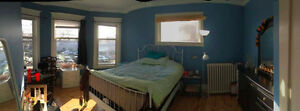 Sublet Spacious Bedroom in  Flat - Available May 1 !!