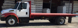 camion 6 roues international plate-forme 20'