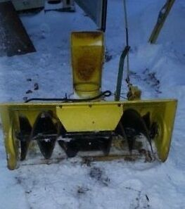 John Deere Snow blower - attachment