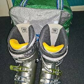 Ski boots size 7