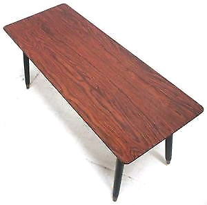 Im looking for retangle..long table