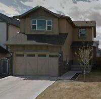 3 bedroom house with garage in Airdrie