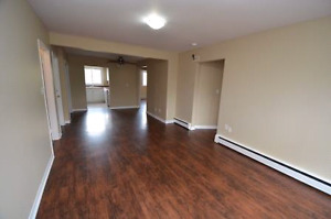 STUDENT 3-room unit - Avail May 1 - 354 Glenridge