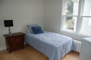 DARTMOUTH! STUDENTS! ROOMS FOR RENT ALL UTILITIES INCL!