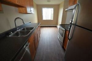 Reno Large 3-bed with balcony Avail Now or Jun 92nd st