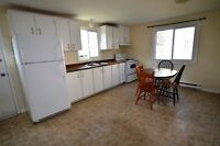 3-bedroom house - Avail May - 20 Mayfield